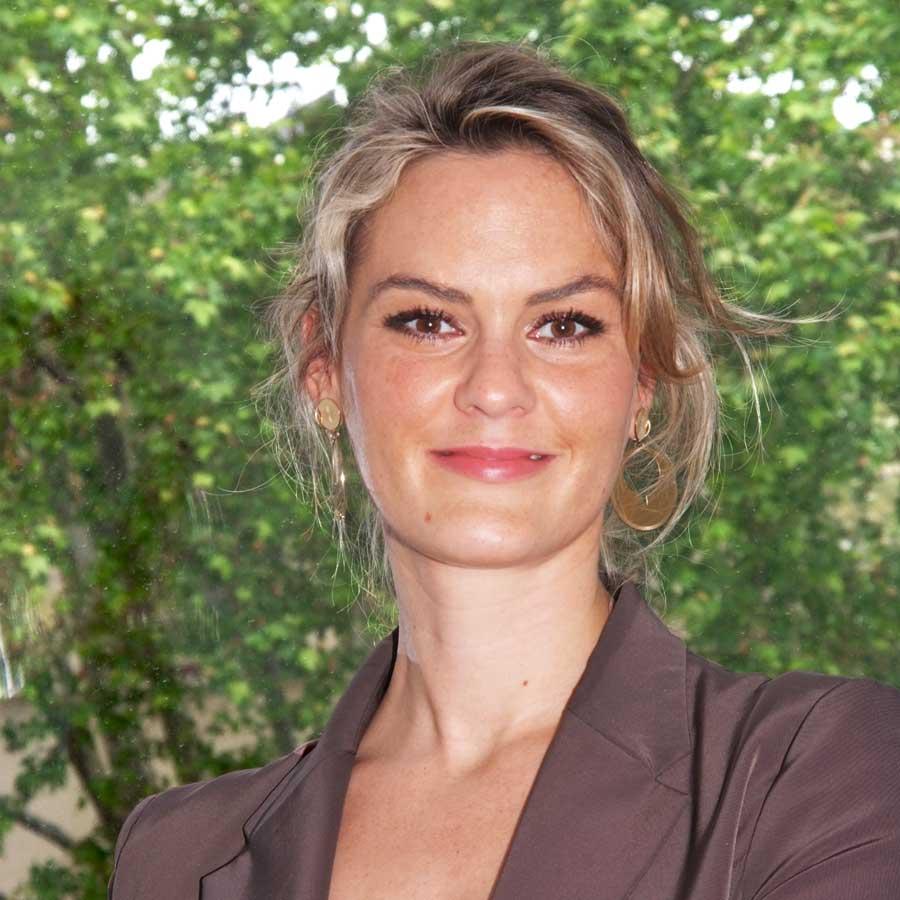 Camille BARES - Sage-femme échographiste